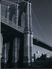 POST CARD OF BLACK AND WHITE PICTURE OF THE BROOKLYN BRIDGE