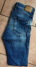 Neuwertige Jeans von Zara Man mit Used-Effekten