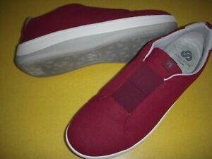 CLOUDSTEPPERS by Clarks Arla Sage Slip-On Sneakers Women's 10 M Burgandy 10M