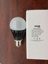 Un électrique sad 6400k lumière du jour blanc 6w 480 lumen led ampoule lampe E27 es 30000h