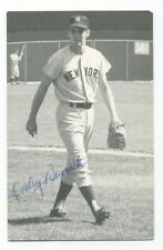 Autographed Photo of Yankees Dooley Womack