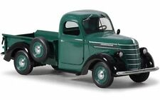 First Gear 40-0307 1938 International D-2 Pickup IH Green 1/25th Scale T48 Post