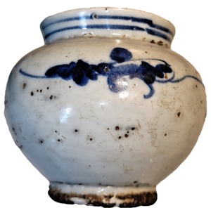 Korean antique 15th century, Jeosun Dynasty, Blue and White Porcelain