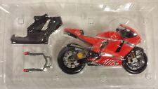 Marco Melandri. Ducati Desmosedici MotoGP 2008. Minichamps 1/12
