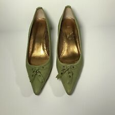 J.crew pointy toe heel shoes green pump size 7 with tassel