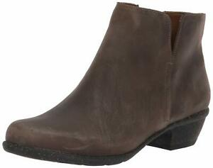 Clarks Women's Wilrose Frost Taupe Oiled Ankle Boot 5.5M NW/OB