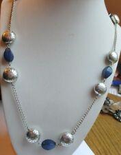 Rare collier couleur argent perles résine bleues argentées bijou vintage 4480