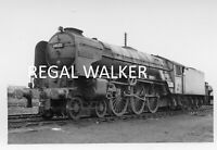 STANDARD 4 76021 WEST AUCKLAND SHED 63 BRITISH RAIL RAILWAY STEAM PHOTO 1960/'S