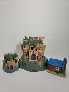 Polly Pocket Hogwarts Castle Playset With Harry Potter and 2 Small Buildings