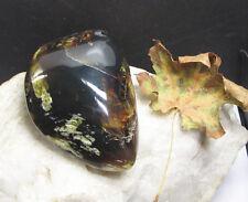 Grüner Sumatra  Bernstein  poliert  - roh ca. 62 g +SELTEN+