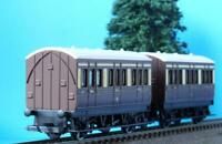 2 NEW HORNBY 4 WHEEL COACHES CHOCOLATE + CREAM GWR from CORNISH BELLE SET R1050