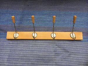 60er Jahre Alte Hakenleiste Garderobenleiste Wandgarderobe 4 Kleiderhaken