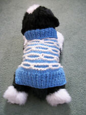 """HAND Knitted, 7.75"""",XS Cane/Gatto Cappotto/jumper Sky Blue & White, 3D Strisce, 20% LANA"""