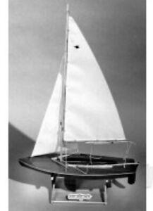"""Dumas Boats 1122 - The Snipe Sailboat - Length 16"""" Mahogany Model Kit T48 Po"""