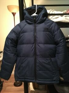 NWOT North Face Boy's 550 Down Jacket, Navy Blue, size XL