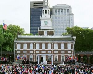 """Pope Francis at Independence Hall in Philadelphia Photo (Size: 8"""" X 10"""")"""