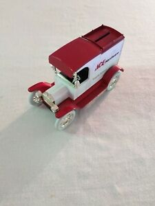 The ERTL Co., 1913 Ford Model T Van, Ace Hardware, Die Cast, 1:25 Scale