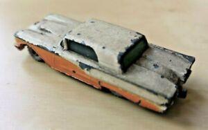Lesney / Matchbox #75 - Ford Thunderbird with tow bar