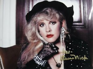 STEVIE NICKS SIGNED 11 X 8 1/2 PHOTO