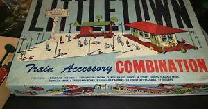 LittleTown, Plasticville, Vintage Train Accessory Combination Station, Shed, Box