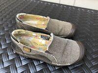 KEEN Cush Golden Summer Slip-On Walking Casual Loafers Shoes Size 6 women's euc