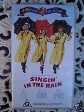 SINGIN' IN THE RAIN ~ GENE KELLY, DONALD O'CONNOR, DEBBIE REYNOLDS ~ VHS VIDEO