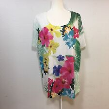 Avenue Womans short sleeve round neck top with embellishments on front, 18/20
