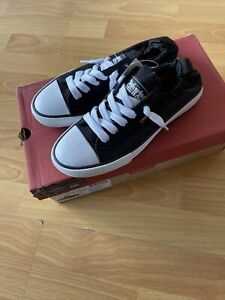 GIRLS LEVIS STAN G SNEAKERS UK SIZE 4 Brand New Boxed