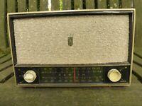 "1959 Zenith Model C724P AM/FM Tube Radio ""Super Caroline"".Champagne Gold. Works."