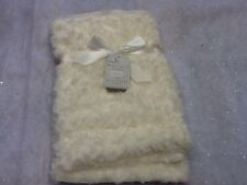 Rose Bud Faux Fur Blanket-Little Dreams Boutique, Brand new with tag (Ivory)