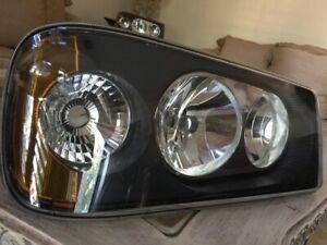 Mack GU4 GU5 GU7 GU8 TD700 Headlight Assembly Right NEW HELLA 25105807