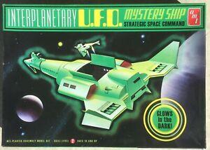 Interplanetary U.F.O. Mystery Ship, Glow in the Dark, AMT