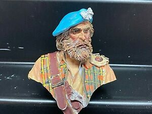 YOUNG MINIATURES 1:10 RESIN BUST - JACOBITE HIGHLAND CLANSMAN PAINTED MODEL KIT