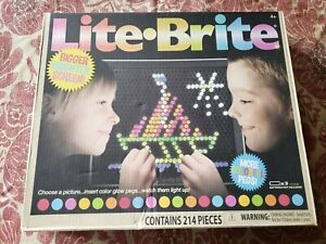 Lite Brite Hasbro Ages 4+ Basic Fun Item #02215