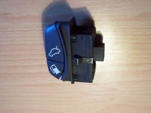 Volvo S70 V70 C70 Petrol Cap Flap & Boot Lock Release Switch '96 to '00 9166208