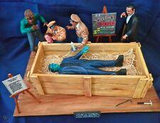 Aurora Monster Scenes Scale  Strange Frankenstein Crate Scene Resin model kit
