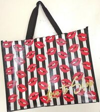 ATTRACTIVE RED LIPS, LOVE TO SHOP, TOTE BAG, REUSABLE SHOPPING BAG, MODERN STYLE