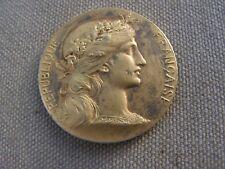 medaille  offerte par E FORTIER SENATEUR  en argent