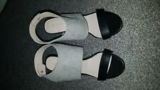 ladies sandals size 4 new