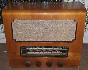 Vintage / Retro / Antique Marconi T26A Valve Radio - Spares or Repair - ? 1950's