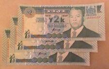 Lote de 3 X 2 dólares fiyianos billetes. publicaciones seriadas Consecutivos Unc..