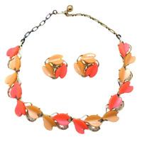 Vintage Thermoset Coral Peach Gold Tone Necklace Clip Earrings Set Demi Parure