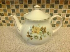 SADLER TEAPOT YELLOW ROSE & WHITE FLOWER DESIGN WITH GILT DETAIL