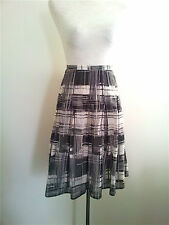 Classic Black & White! Calvin Klein size 14 lined skirt in excellent condition