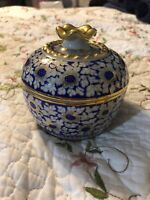 Japanese Imari Covered Trinket Dish Bowl White and Blue Floral Japan Gold Trim