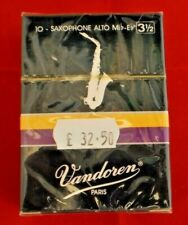 Alto Sax reeds (10 No.) sealed individual packets Bb by Vandoren Strength 3 1/2