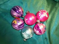 6 alte große Christbaumkugeln Glas lila violett pink blau weiß Blumen Lauscha