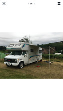 Foster & Day coachbuilt motorhome on a GMC chassis, 6.2L diesel automatic,