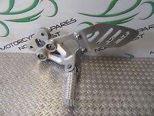 SUZUKI GSXR 750 K8 K9 L0 (08-10) 2009 COMPLETE LEFT FRONT FOOTREST HANGER BK292