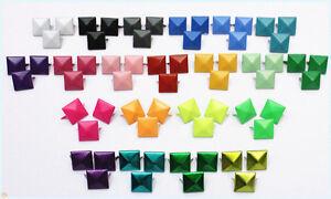 150pz Borchie sfuse a piramide colorati *150pcs COLORED PYRAMID STUDS